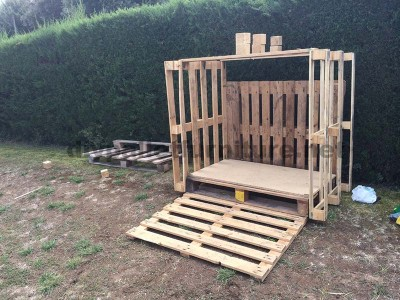 Small cottage for the garden made ​​with pallets 2