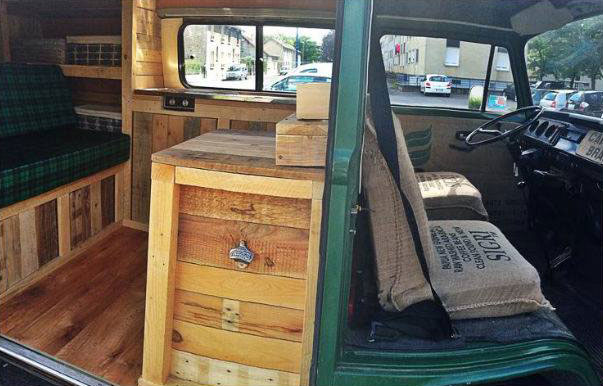 Van restored using wooden pallet tablesdiy pallet for Interieur forma