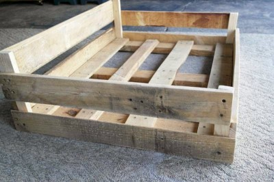 build a pallet bed for your pets 2