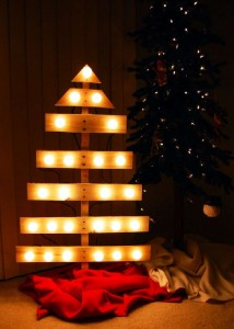12 Ideas to design a Christmas tree ​​with pallets 10