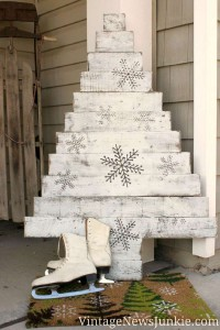 12 Ideas to design a Christmas tree ​​with pallets 2
