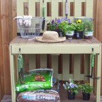 A beautiful gardening working table made from pallets