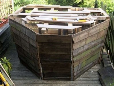 A pirate ship made ​​with pallets 3