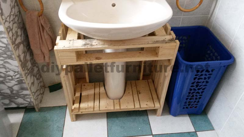 bathroom furniture made entirely from pallets 1 bathroom furniture pallets
