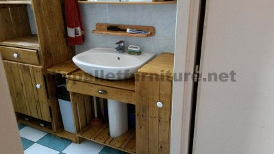 Bathroom furniture made ​​entirely from pallets 4