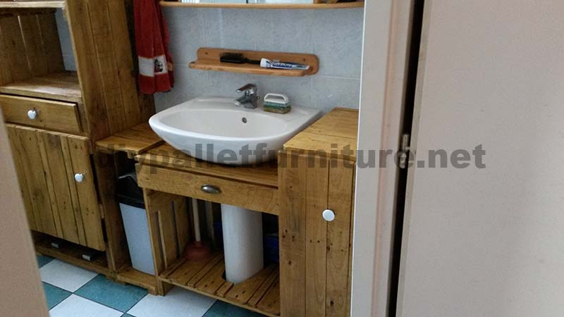 bathroom furniture made entirely from pallets 4 bathroom furniture pallets