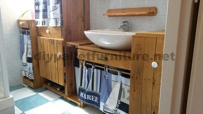 Bathroom furniture made ​​entirely from pallets 6