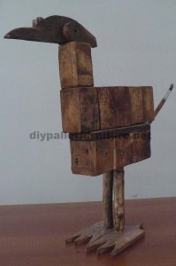 Bird sculptures made ​​with pallet blocks and planks 3