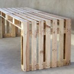 Build a large table using just 4 pallets
