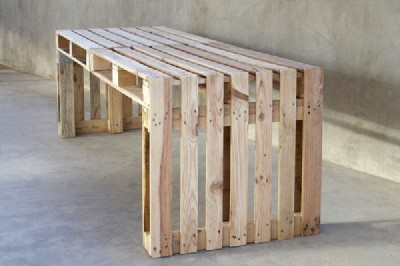 Build a large table using just 4 pallets 1