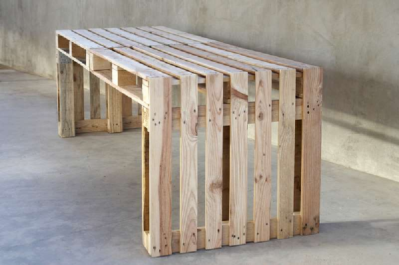 Build a large table using just 4 palletsdiy pallet - How to make a table from pallets ...