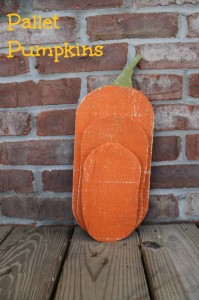 Different-designs-of-Halloween-pumpkins-made-​​with-pallets-3