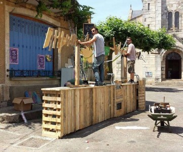 Les palettes du Coeur, a French association of pallet artists 11