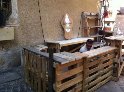 Les palettes du coeur a french association of pallet - Construire un bar en palette ...