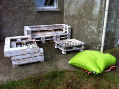 Pallet furniture set with sofas and a coffee table