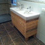 Sink cabinet and mirror made ​​with pallets
