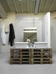 10 great ideas to decorate your bathroom with pallets 3