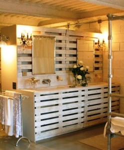 10 great ideas to decorate your bathroom with pallets 5