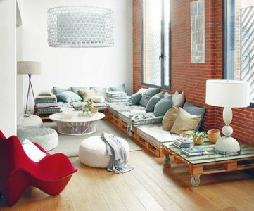 10 magnificent living rooms decorated with pallets 5