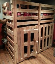 bunk bed ideas made completely with palletsDIY Pallet Furniture ...
