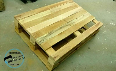 A pallet NES table, made with 2 pallets 4