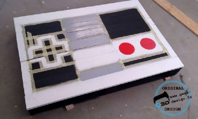 A pallet NES table, made with 2 pallets 6
