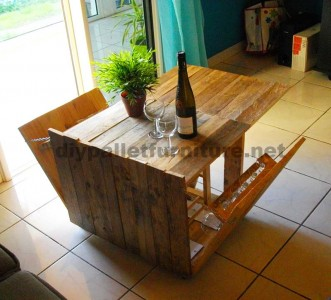 Auxiliar folding table for wine lovers, made of pallets 1