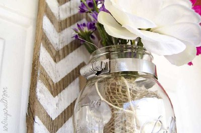 Build a hanging vase with pallets for your house door 1