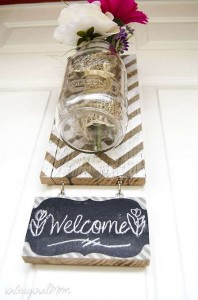Build a hanging vase with pallets for your house door 8