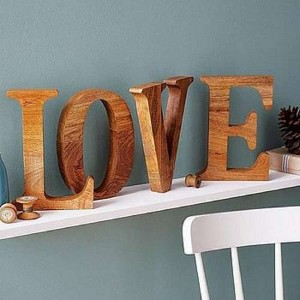 Design and build a decorative letter using pallet boards 3