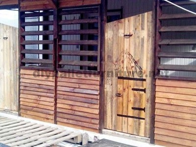 Examples of how to improve your house using pallets 4