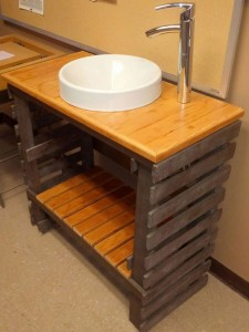 Fantastic bathroom sink made of pallets 9