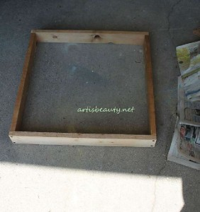 How to build a little vintage table for the garden using pallets 5