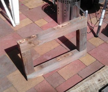 Instructions of how to build a bedside table with pallets 6