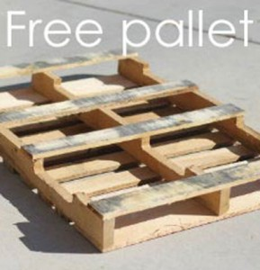 Instructions of how to make a christmas wooden mural with pallets 2