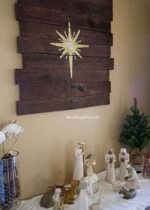 Instructions of how to make a christmas wooden mural with pallets 7