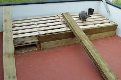 Instructions of how to make a couch for the terrace using pallets 4
