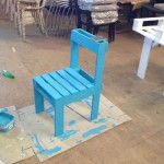 Instructions to build a chair with just one pallet