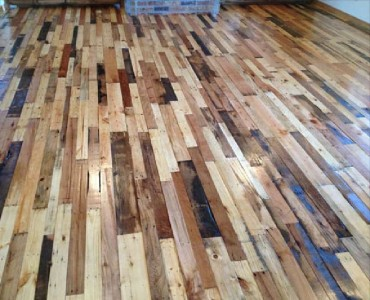 Instructions to pave the floor of your house with pallet planks 3