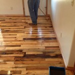 Instructions to pave the floor of your house with pallet planks