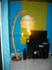 Lamp structure built using pallet boards 4