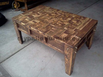 Living room table made with little wooden pieces 2