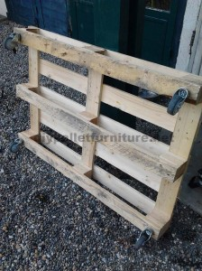 Step by step instructions to build a lounge room table with pallets 2