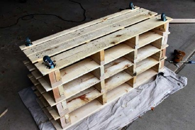 Step by step instructions to build a shoerack using pallets 19