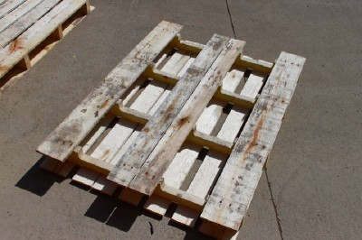 Step by step instructions to build a shoerack using pallets 2