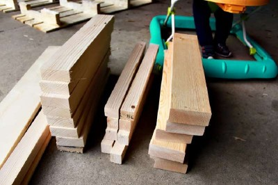 Step by step instructions to build a shoerack using pallets 9
