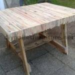 Table built gluing pallet planks