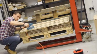 Video instructions of how to do a table with 2 pallets 1