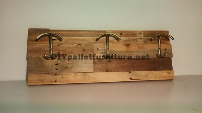 Different models of coat hangers built with pallet planks 5
