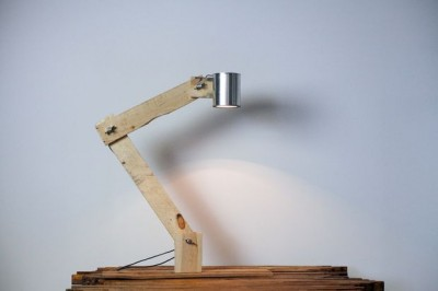 How to build a flexo desk lamp with recycled objects 1
